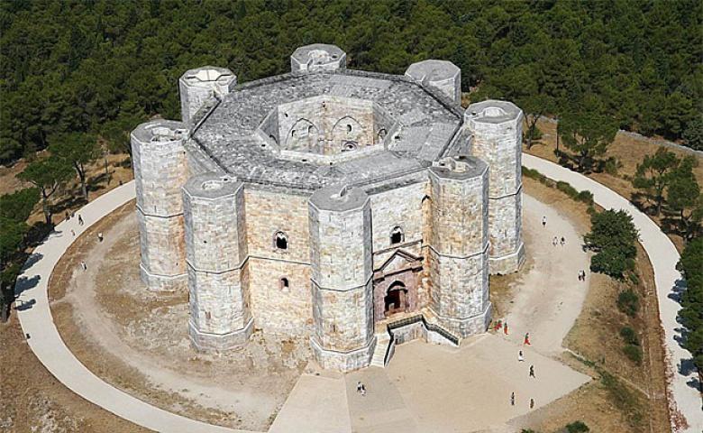 Автомобильная экскурсия из Бари в замок Кастель-дель-Монте