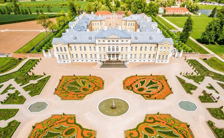 Экскурсия в Рундальский дворец