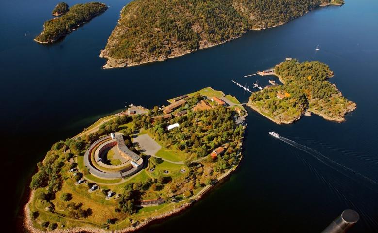 Экскурсия из Осло в крепость Оскарсборг и город Дрёбак