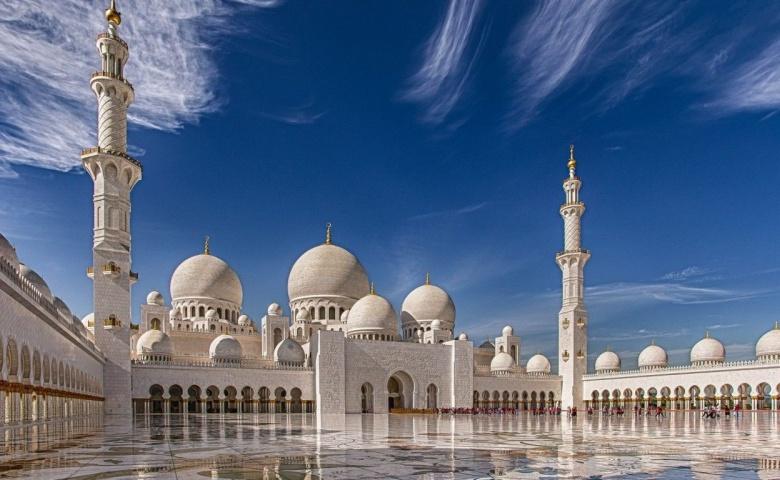 Индивидуальная экскурсия в мечеть Шейх Заид и Президентский дворец