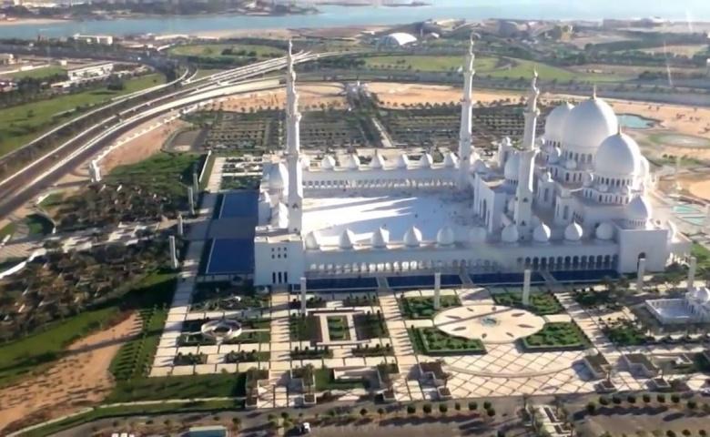 """Индивидуальная экскурсия в мечеть Шейх Заид и парк """"Феррари"""""""