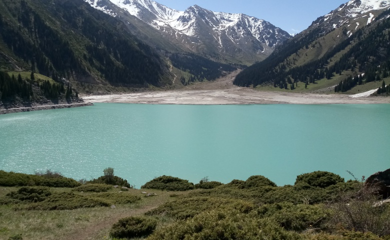 Автомобильная экскурсия из Алматы на Большое озеро и в Тян-Шанский лес