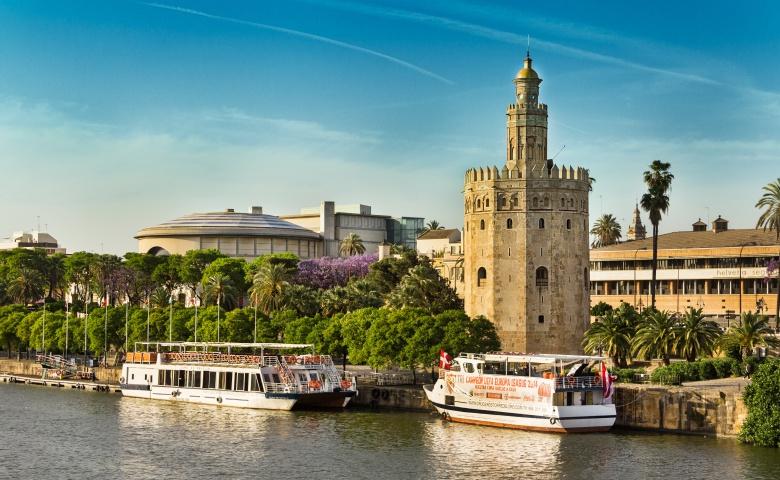 Севилья на яхте: история, архитектура, гастрономия