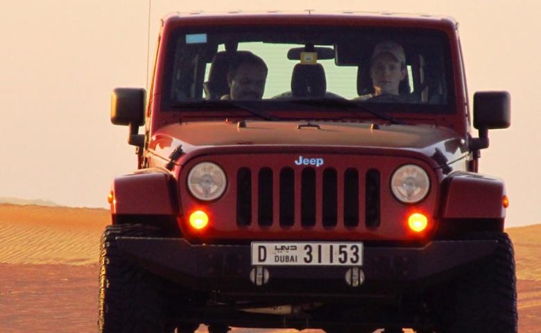Покорение дюн за рулём автомобиля — крепче за баранку держись, шофер