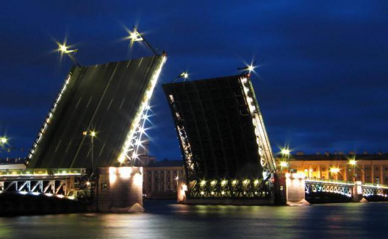 Пешеходная экскурсия по Санкт-Петербургу