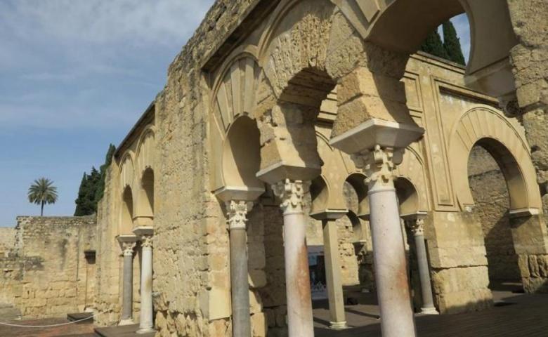 Автомобильная экскурсия из Кордобы во дворец Медина Сахара