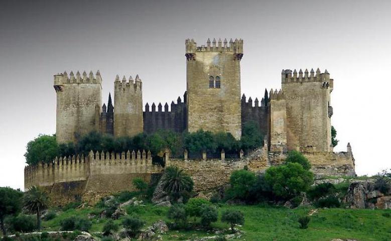 Экскурсия в замок Альмодовар