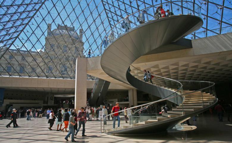 Лувр в париже — памятник архитектуры