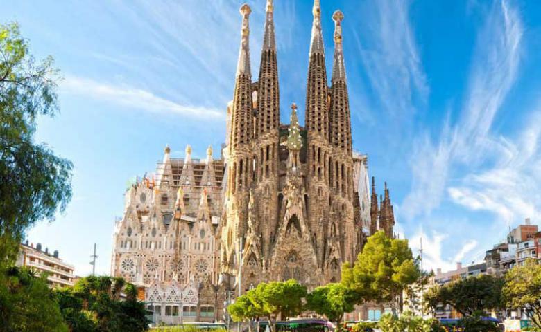Автомобильная экскурсия по Барселоне: От римлян до современности