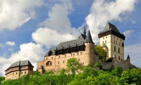 Экскурсия в замки Карлштейн и Кршивоклат