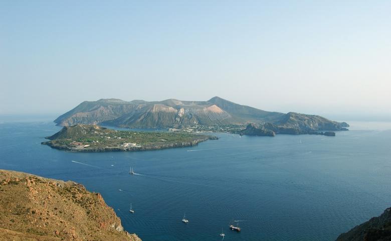 Острова Липари и Вулкано