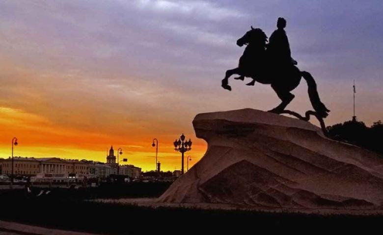 Ночная обзорная экскурсия по Петербургу