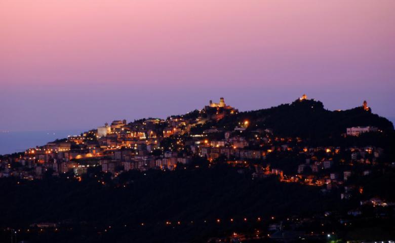Ночной Сан-Марино