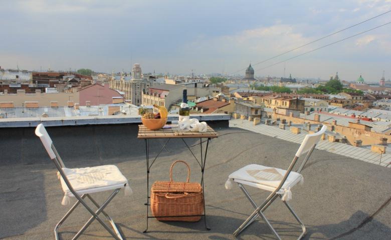Свидание на крыше с видом на Неву