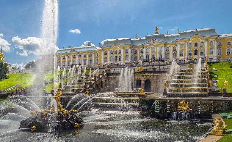 Поездка в Петергоф с посещением Большого Дворца