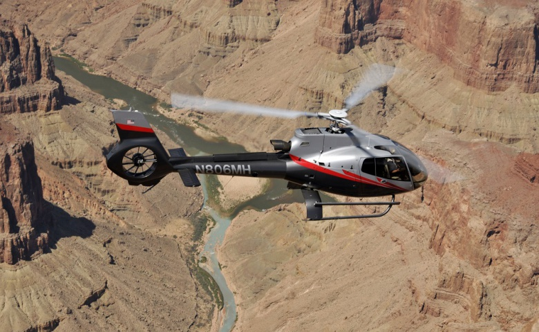 Полёт на вертолёте над Гранд-Каньоном