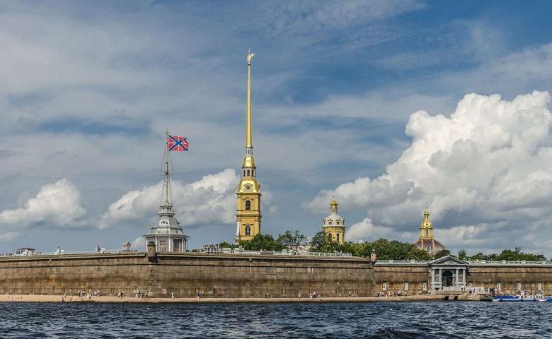 Обзорная экскурсия и Петропавловская крепость