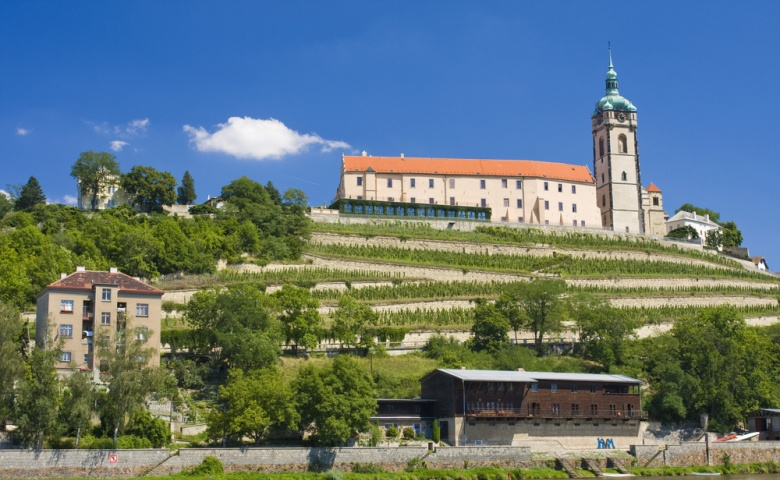 Экскурсия в замок Мельник c дегустациeй вина
