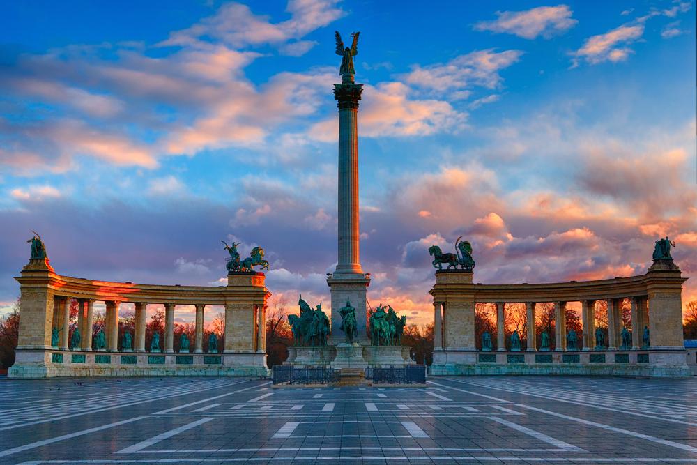 Картинки по запросу площадь героев будапешт