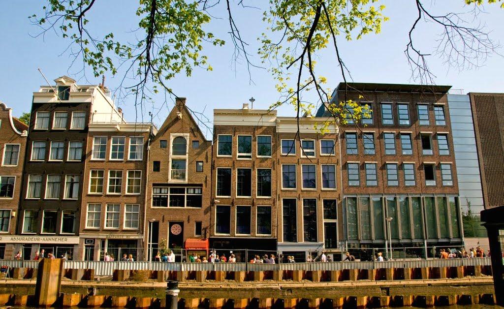 Дом в амстердаме цена купить замок недвижимость недорого